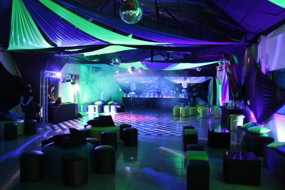 decoracao festa neon:Quiz Eventos – Festa – Festa de formatura – Verde, azul e preto