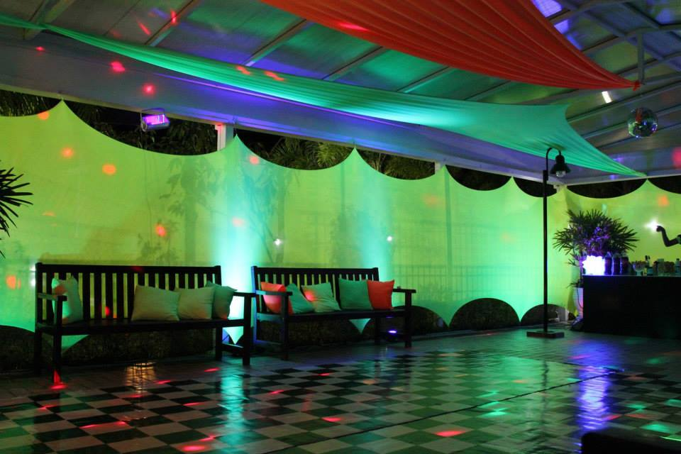 decoracao festa neon:Quiz Eventos – Festa – Balada Neon-Laranja, verde, amarelo e azul